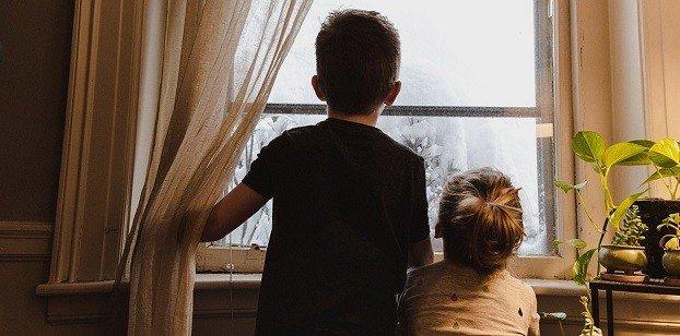 Десятилетний мальчики две его младшие сестры из Константиновки ищут заботливых родителей