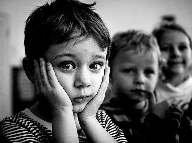 Трое малышей из Константиновки ищут заботливых родителей