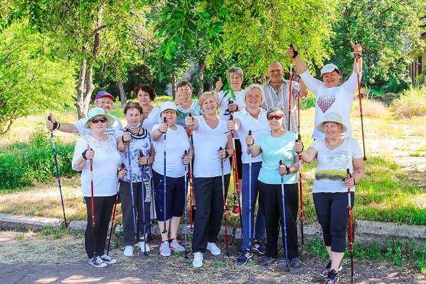 Группа по скандинавской ходьбе из Константиновки приняла участие в рекорде Украины