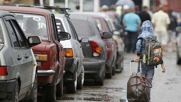 БЕЗ ДОВЕРЕННОСТИ. В Украине упростили выезд с неподконтрольной территории детям до 16 лет – СМИ