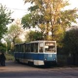 Вагон 118 на служебном рейсе на Пушкинской улице у перекрестка с улицей Тельмана. Фото АО, 6.5.1999.