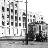 Два вагона Ф, переданные из Москвы, открыли движение трамвая 23.8.1931. Фото из архива кинофотодокументов Украины, 1944 год.