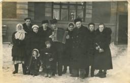 Жители дома №6 по ул. Б. Хмельницкого