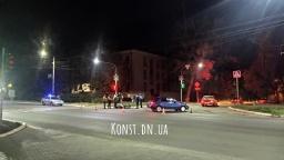 ДТП в Константиновке: Двое людей пострадали от столкновения такси и скутера