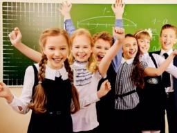 Украинским школам разрешили самостоятельно устанавливать каникулы