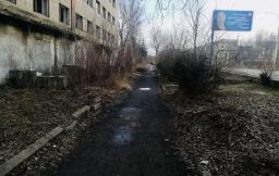 Полоса препятствий для пешеходов: Как выглядят тротуары в Константиновке (фото)