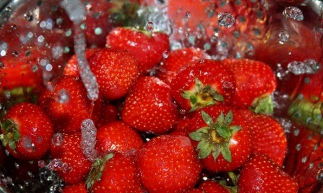 В Украине резко упали цены на клубнику