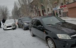 ДТП в Константиновке: Автомобиль Geely врезался в Nissan