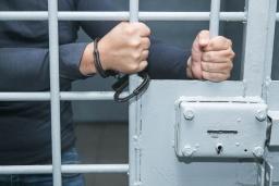 В Константиновке оперативники разоблачили мужчину, который ограбил прохожую