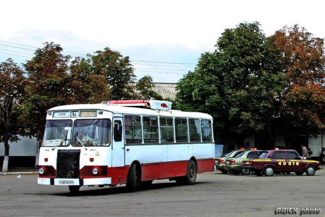 ЛиАЗ-677МБ по Маршруту Б: «Нулевой» - «Центральный рынок»