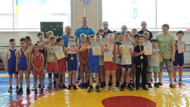 В Ильиновке состоялся открытый юношеский турнир по греко-римской борьбе