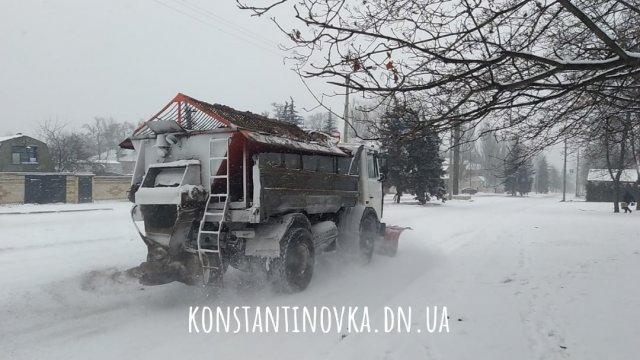Нет необходимости: В Константиновке отменили тендер на зимнее содержание дорог