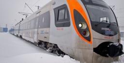 Из-за обледенения в Украине остановились несколько поездов Интерсити