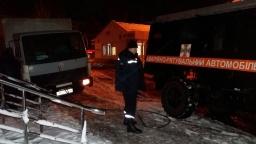 В Константиновке спасатели помогли водителю грузовика, перевозившего продукты питания