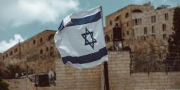 В Израиль с 1 июля начнут пускать туристов