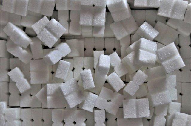 Экономист рассказал о цене импортного сахара