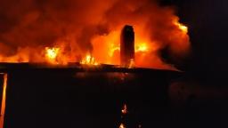 В Константиновке спасатели ликвидировали пожар в заброшенном доме