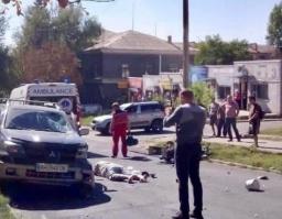 ДТП в Константиновке: Мотоцикл столкнулся с кроссовером