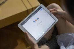 Зеленский подписал закон «о налоге на Google»