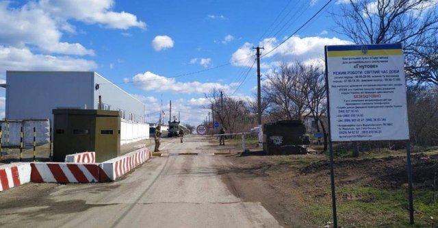 Воскресный аншлаг: Ситуация на блокпостах Донбасса утром 8 декабря