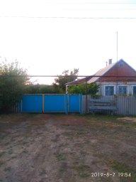 Дом с 30 соток огорода под поливом с личного источника воды. Огород с пластиковой магистралью и выхо