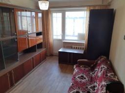 Продам однокомнатную квартиру на Центральном рынке без долгов.
